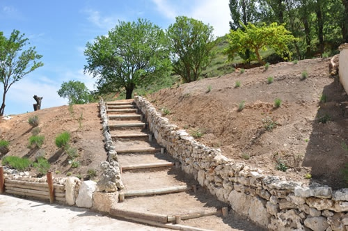 Bodegas Arbás Escaleras de Bajada